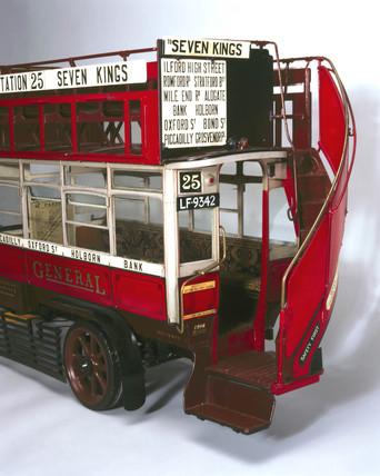 'B' type motor omnibus, 1910-1921.