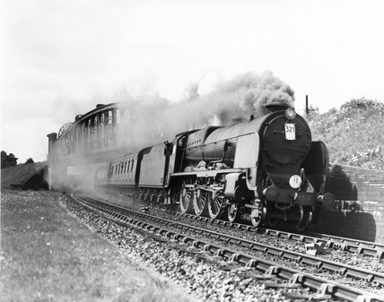 A 'West of England' express at Battledown Flyover, 1946.