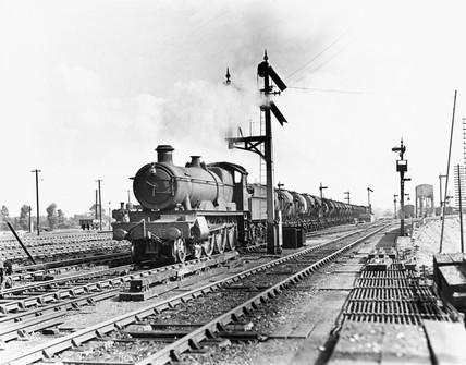 Saint' Class 4-6-0 steam locomotive, No. 2908 'Lady of Quality'