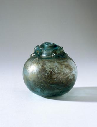 Spherical glas bottle.