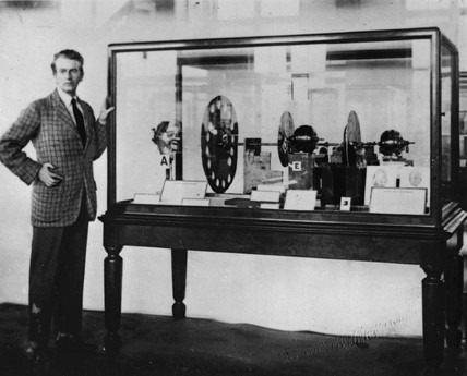 John Logie Baird presenting TV apparatus, Science Museum, 1926.