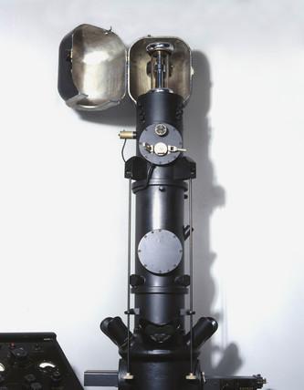 Metropolitan Vickers EM2 electron microscope, 1946.