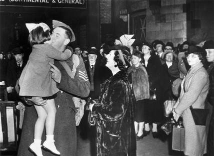 Leave trains, Second World War, 1940.
