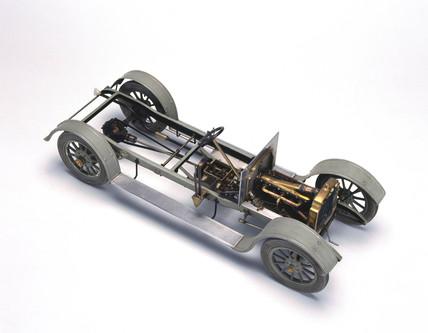 Vauxhall motor car chasis, 1910.