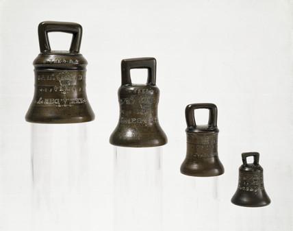 Standard Elizabethan weights, 1558-1582.