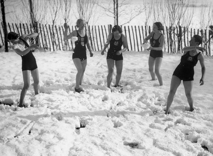 Snowball fight on Hampstead Heath, 27 January 1935.