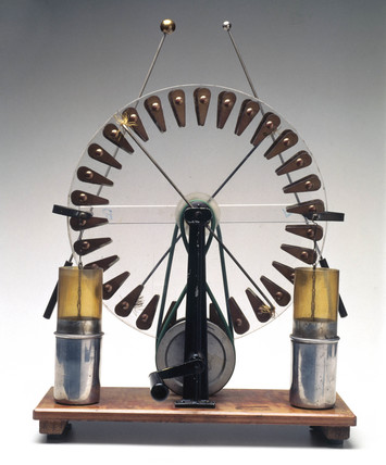 Wimshurst's electrostatic machine, c 1882.