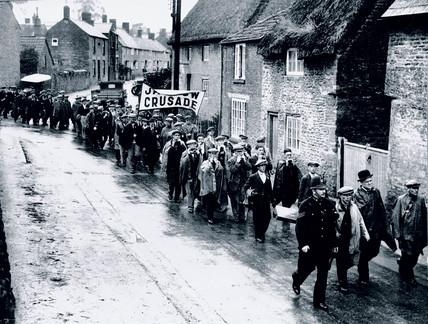 Jarrow marchers pasing through Buckinghamshire, 26 October 1936.