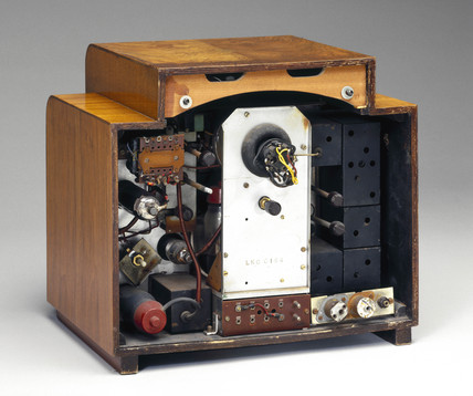 Pye television receiver, model 817, 1938.