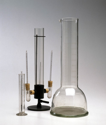 Boys' gas calorimeter, c 1897-1920.