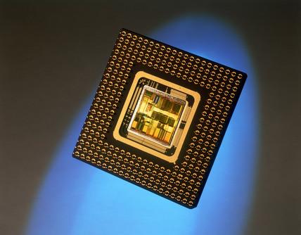 Intel Pentium (586) microprocesor, 1992.