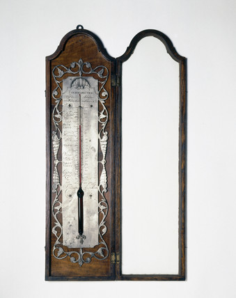 Photograph of alcohol thermometer by Casartel, Amsterdam, 1720-50