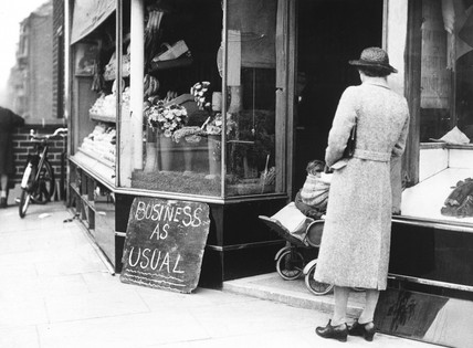 'Busines as usual', 2 October 1940. A sign
