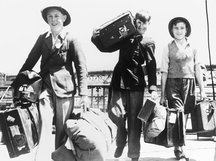 British evacuees arriving in Australia, Second World War, 28 November 1940.
