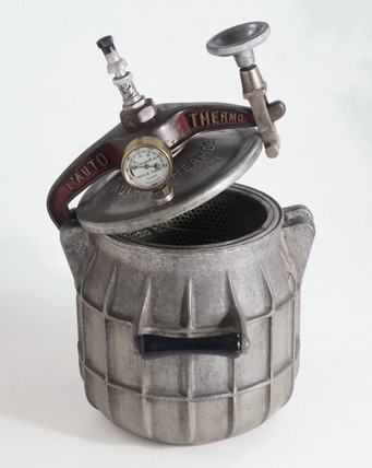 'Auto-Thermos' presure cooker, 1929.