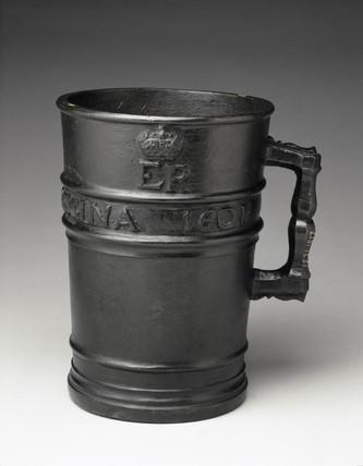 Bronze Exchequer Standard Winchester Gallon measure, 1601.