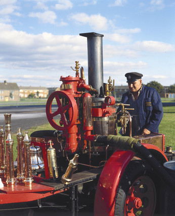 Vertical steam engine, 1920s.