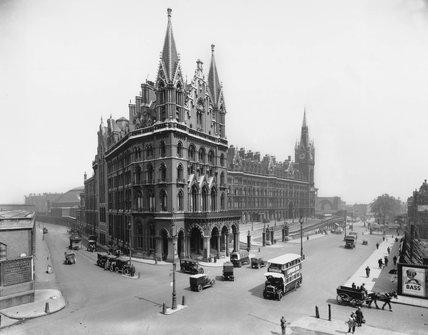 Midland Grand Hotel, St Pancras Station, c 1927.