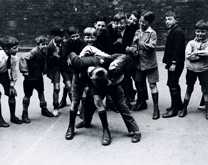 Boys fighting in the streets, 10 July 1931.