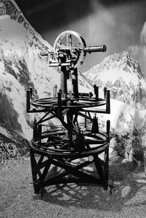 The three foot theodolite made by Cary for the Great Survey of India, 1802.