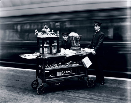 Attendants with a refreshments trolley, Paddington Station, London, 1915.