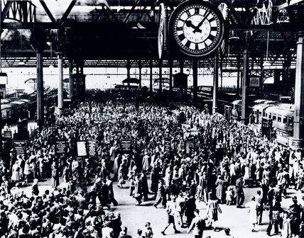 Holidaymakers at Waterloo Station, London, 1946.