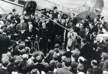 Mr Chamberlain returning from Munich, 17 September 1938.