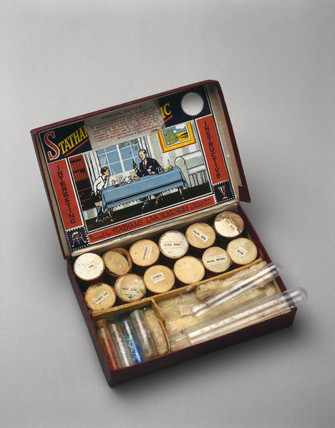 Stathams Chemical Magic chemistry set, c 1920-1940.