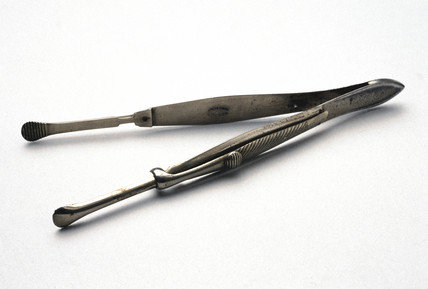 Bryant's torsion forceps, c 1860-1900.