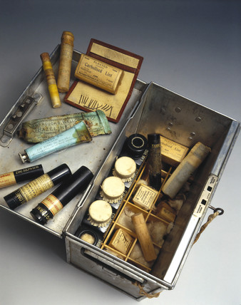 Tabloid medicine chest with medical supplies, 1910.