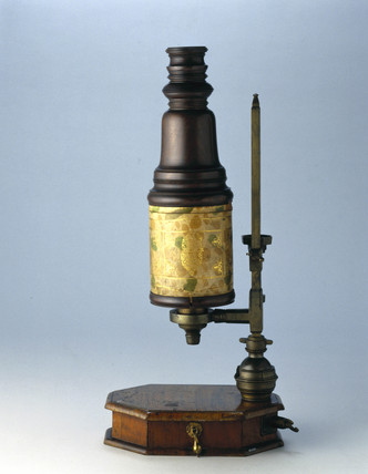 Marshall compound microscope, c 1710.