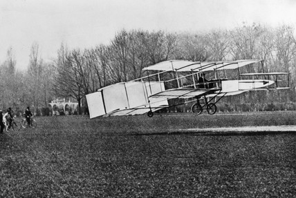 The Voisin-Delagrange powered biplane, 1907.