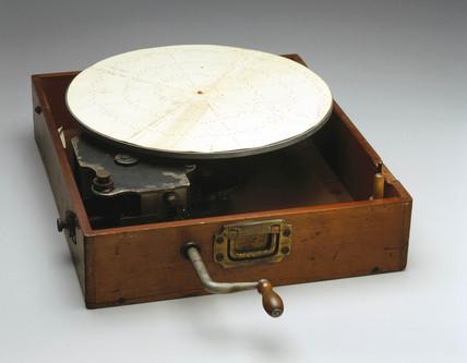 Dotting machine, English, 1918-1926.