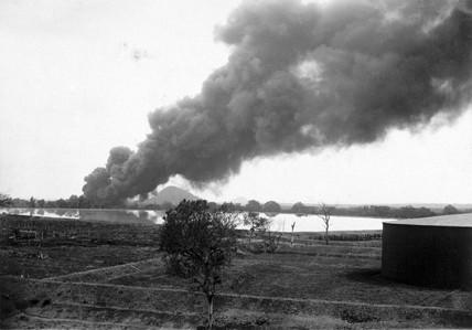 Oil tank fire, Potrero, Mexico, 9 April 1914.