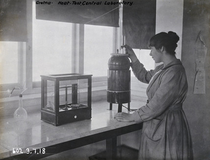 Woman worker, Gretna munitions factory, Scotland, 1918.