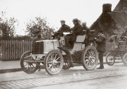View taken during the 1000 Mile Trial, 1900.