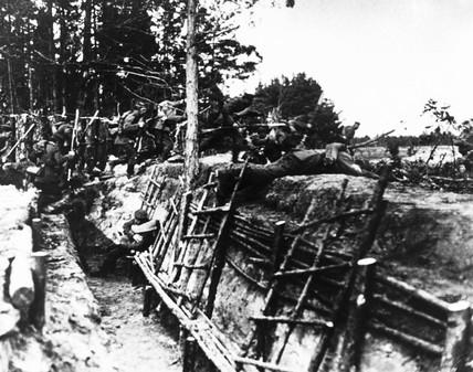 German troops attacking, WWI. 'German troop