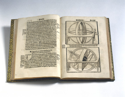 Pages of 'Short compendium of the world and of the art of navigation', 1551.