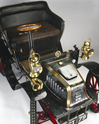Peugeot 'Bebe' 5 hp motor car, 1901.
