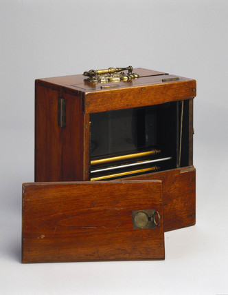 Stereo cine camera, 1890.