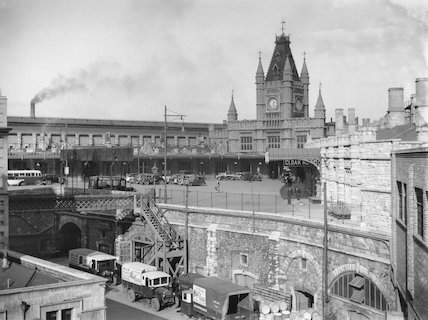 Bristol Temple Meads Station from the GWR's old Control Office, 1934.