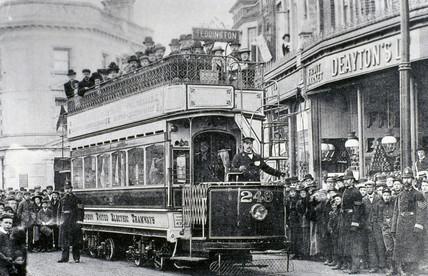 London United Electric Tramways tram, Teddington, London, 1903.