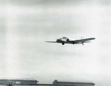 Boeing 247D airliner flying into Science Museum Wroughton, 1982 (credit: Science Museum / Science & Society)