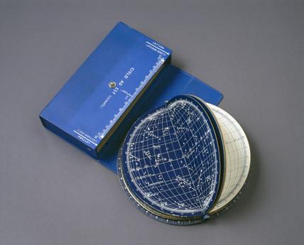 Hoepli's pocket planetarium or star identifier, 1935-39.