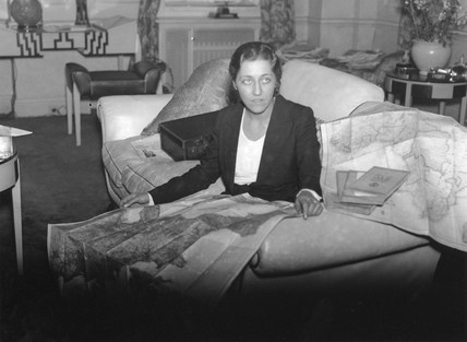 Amy Johnson, 17 November 1932.