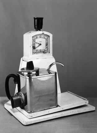 Goblin Teasmade, c 1935.