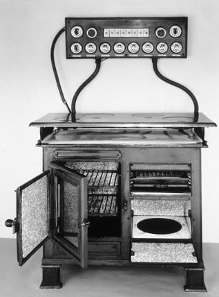 Carron electric cooker, c 1912.