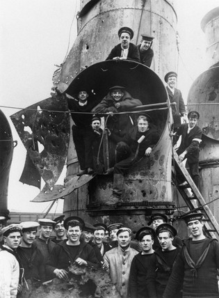 Some of the crew of the British cruiser 'Vindictive', 1918.