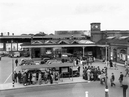 The booking office at Watford Junction, Sep