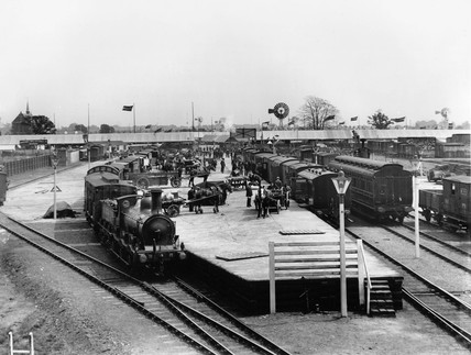 Osmaston station during the Royal Agricultural Society show, Derby, 1906.